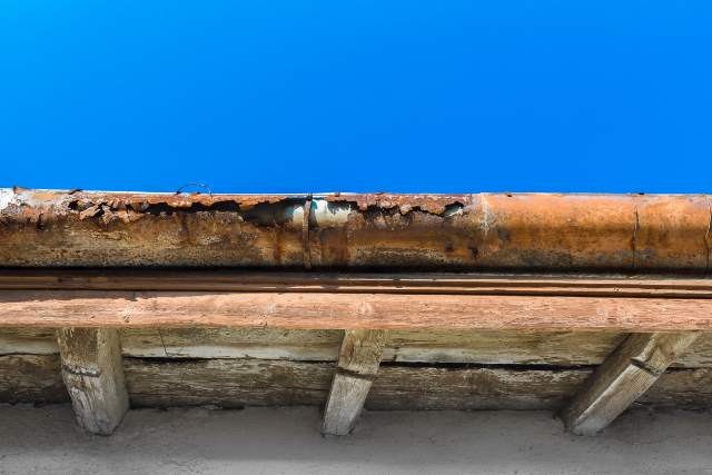Old deteriorated Gutter System in Beaverton rooftop